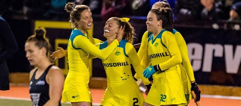 新加入の2番Ambrosia Malone 選手が大活躍!(出典元:http://hockey.org.au/)