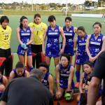 アンソニーファリー監督の話に熱心に耳を傾ける「さくらジャパン」。(写真は2018年1月ニュージーランド遠征時)