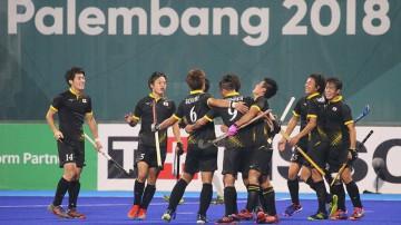 初の決勝戦進出を喜ぶ男子日本代表「サムライジャパン」
