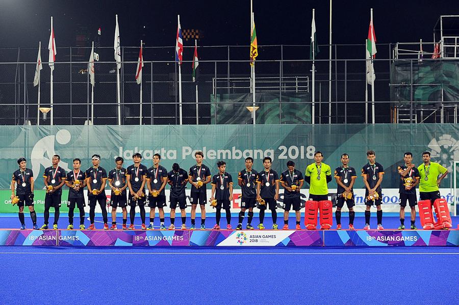 準優勝を飾るもオリンピック出場権を獲得できなかった男子マレーシア代表に笑顔はない。 出典元:https://www.facebook.com/MalaysianHockeyConfederation/