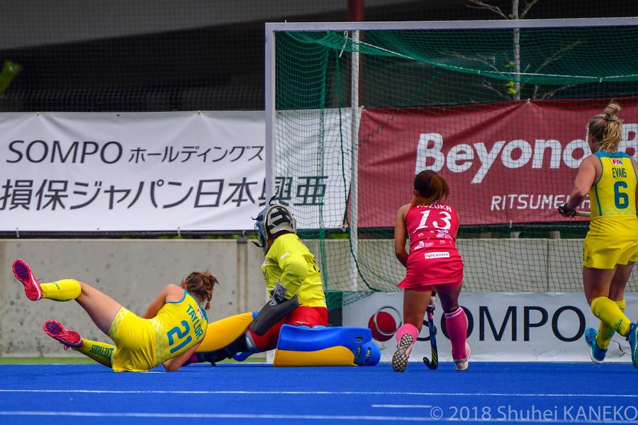 試合開始からわずか3分。オーストラリア代表21番TAYLOR Renee選手のゴールで失点。(写真/金子周平)