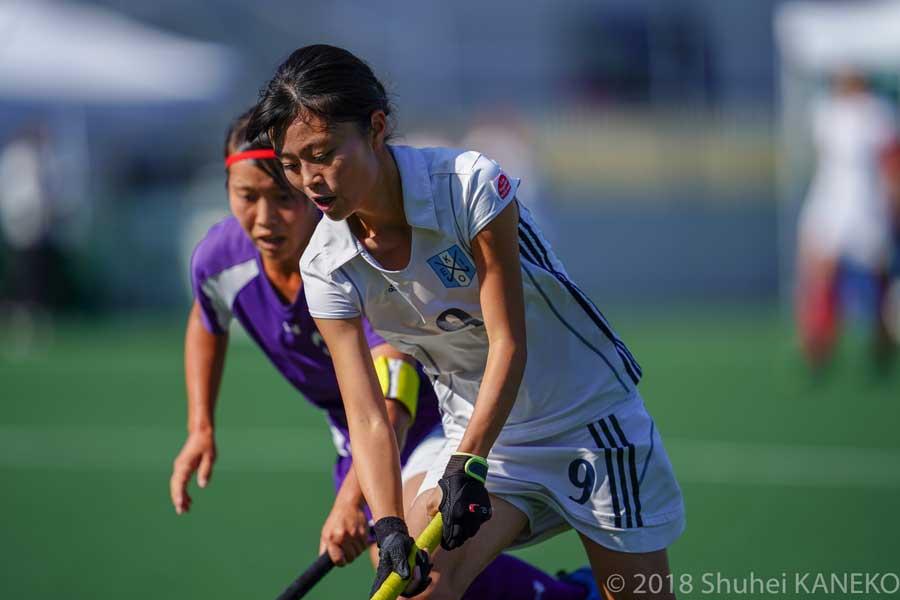 攻守ともにチームに貢献した慶應義塾9番荒川理佳子選手。