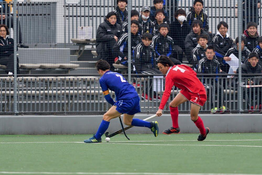 山梨学院主将2番千葉選手と小矢部RED OX攻撃の起点の村田和麻選手のマッチアップ。