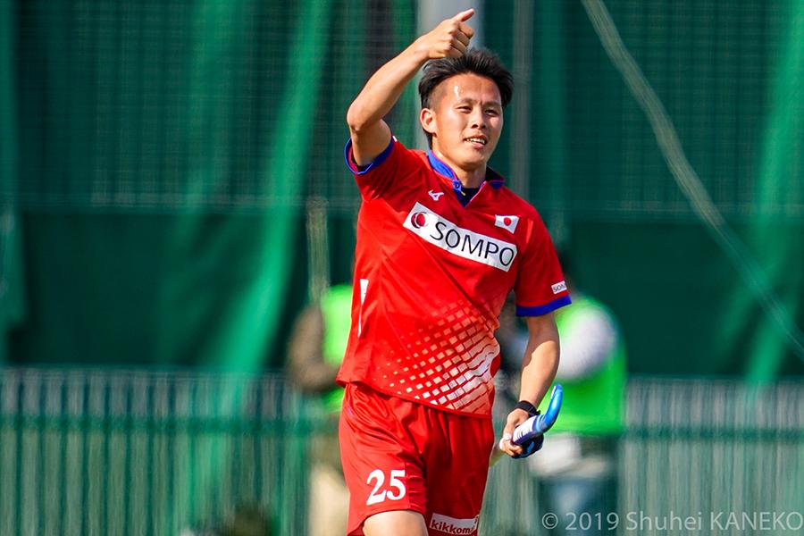 先制点を決めた山田翔太選手。MVPにも選出された。写真/金子周平