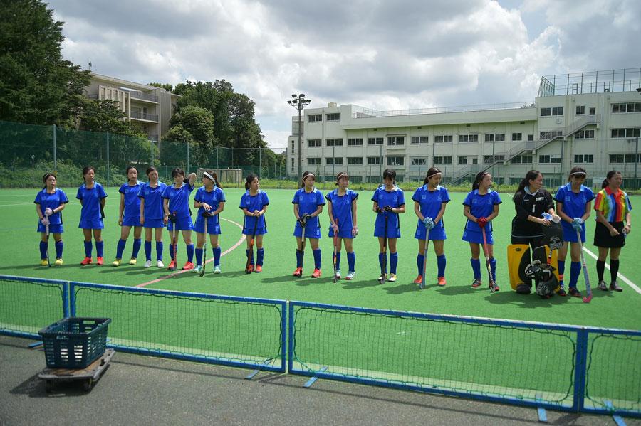 試合前の東京大学の選手ら。