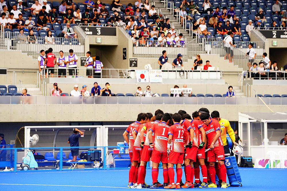 大井ホッケー競技場で11時45分より試合が行われた 写真/金子周平